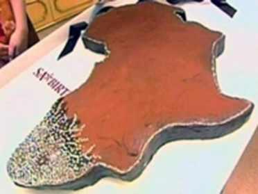 10 Valentine-Diamond-Chocolate-Cake-e1353694221560