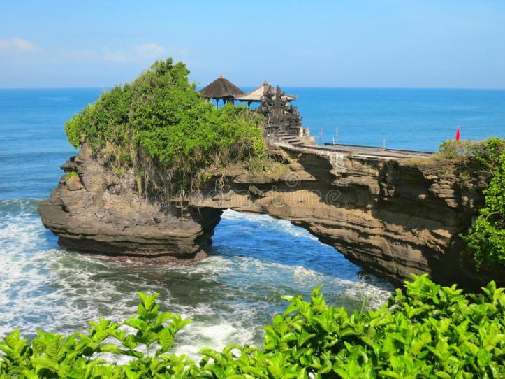 утес-океана-око-о-виска-pura-batu-bolong-ба-и-55859044.jpg