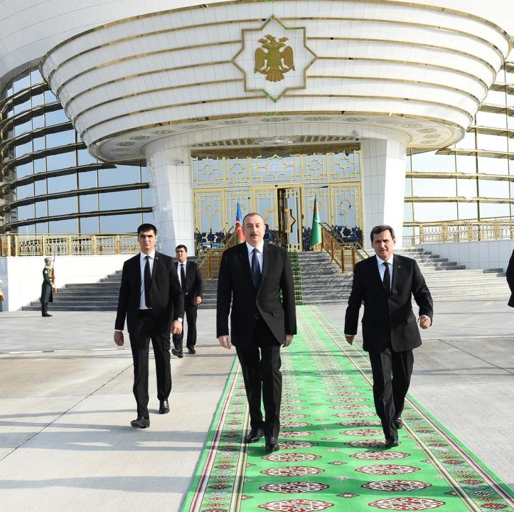 president-turkmenistan-end.jpg
