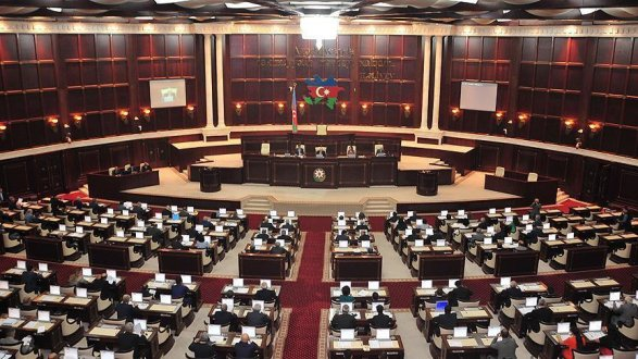 parlament-az
