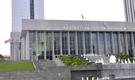 parlament-azer.jpg