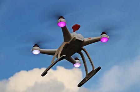 dron-samolet