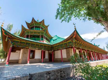 мечеть с китайской крышей