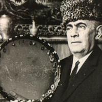 Мастер исполнения азербайджанского мугама