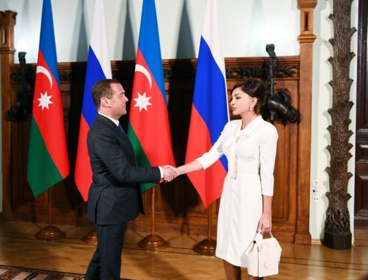 Мехрибан Алиева - россия