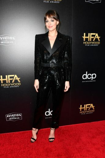 BEVERLY HILLS, CALIFORNIA - NOVEMBER 03: Dakota Johnson poses in the press room during the 23rd Annual Hollywood Film Awards at The Beverly Hilton Hotel on November 03, 2019 in Beverly Hills, California. (Photo by Frazer Harrison/Getty Images for HFA)