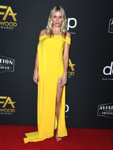 BEVERLY HILLS, CALIFORNIA - NOVEMBER 03: Sienna Miller arrives at the 23rd Annual Hollywood Film Awards at The Beverly Hilton Hotel on November 03, 2019 in Beverly Hills, California. (Photo by Steve Granitz/WireImage)