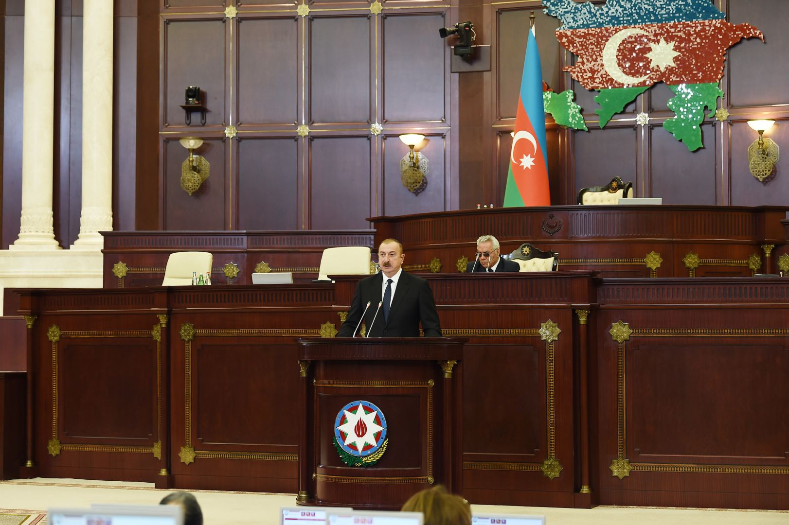 prezident_parliament_100320_10