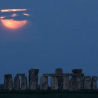Луна подошла к Земле на минимальное расстояние -ВИДЕО/ФОТО